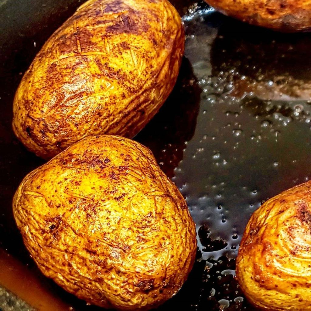 Crispy oven-baked potatoes