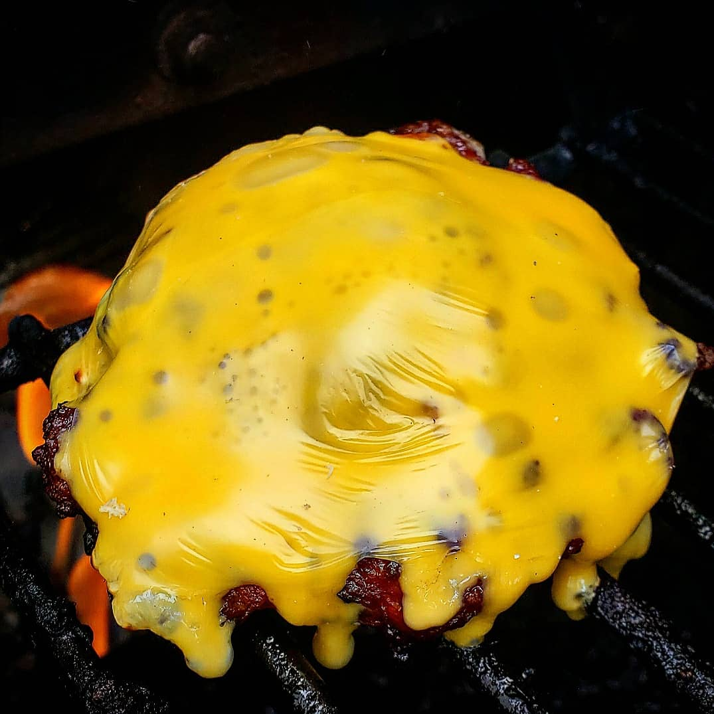 Smoked cheeseburger